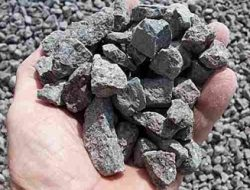 EFFECTS OF AGGREGATE PROPERTIES ON CONCRETE
