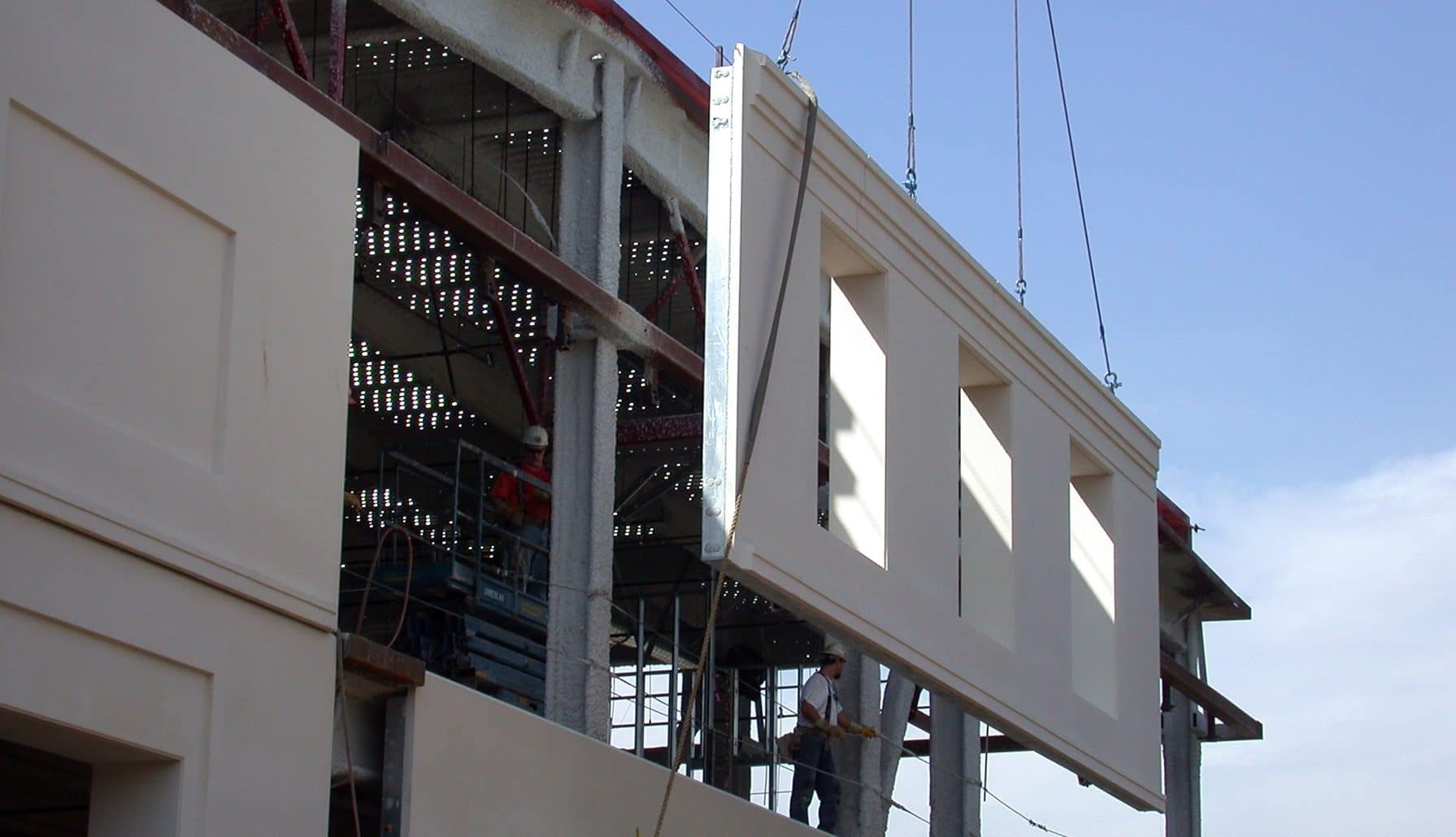 Masonry Building Framed : Precast concrete construction process and advantages