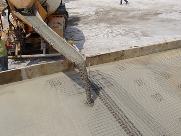 Self consolidating concrete admixtures