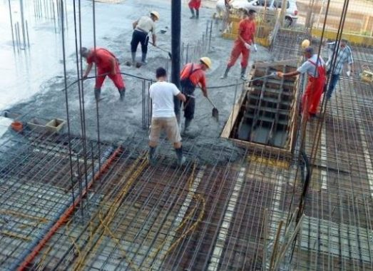 Fresh Concrete, Labor, and Equipment Load on Formwork