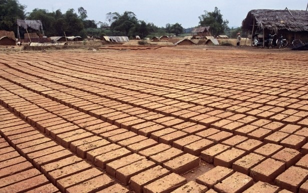 Drying of raw bricks