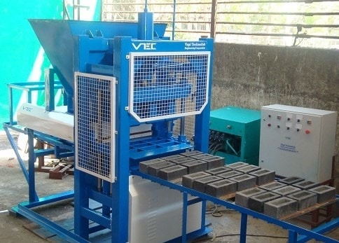 Machine molding of bricks