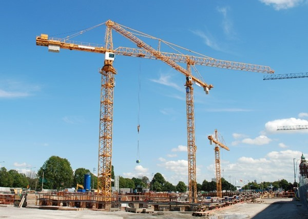 Large Construction Cranes : Different types of cranes used in construction