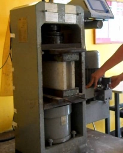 Compressive Strength Tests on Concrete Masonry Blocks