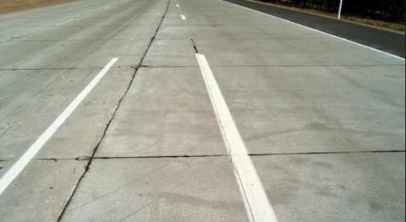 Applications of Fiber Reinforced Concrete in Pavements