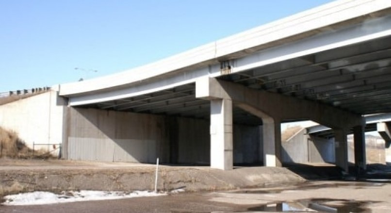 Seismic Retrofitting of Bridge Abutments -Methods and Details