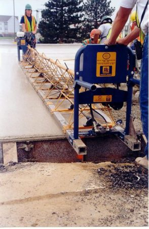 Vibratory Screed Finisher