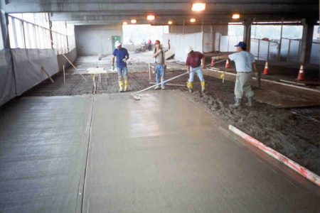 Finishing of topping concrete.