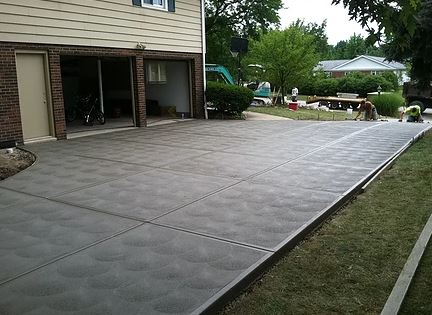 Swirl Finish Create on Concrete Drive Way Surface