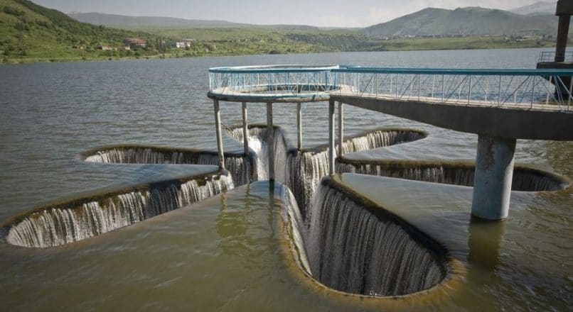7 Different Types of Spillways