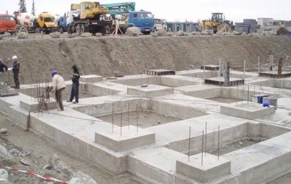 Footing concrete.