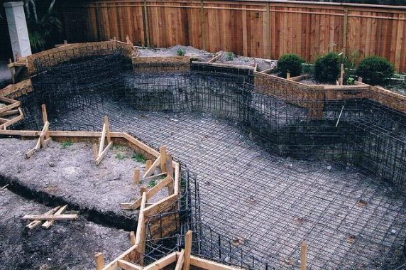 Swimming Pool Steel Reinforcement-Image Courtesy- River Pool Sand Spas